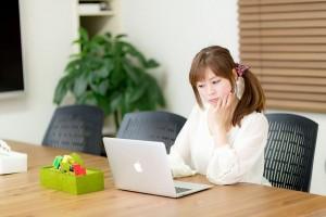 laptop-woman1-e1431017878911